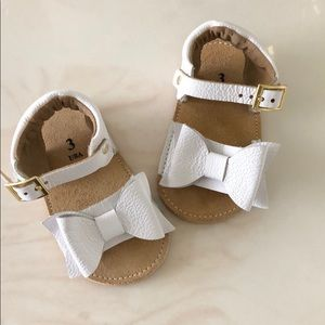 Other - 🍭Leather sandals with bow for baby girl size 3